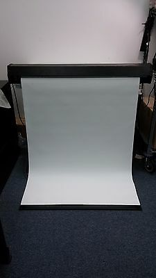 "Targa T-6-051052 Projector Screen 44""X34""  Electric"