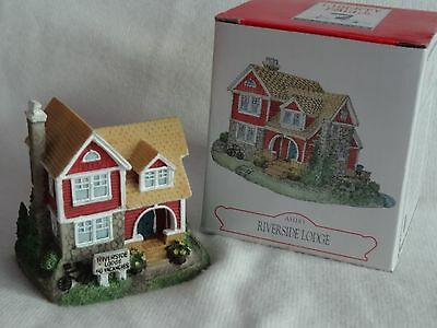 Liberty Falls~Riverside Lodge~ Christmas Western Village Figurine