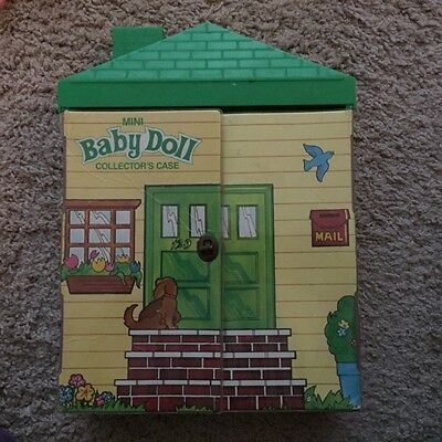 Vintage 1984 Mattel Cabbage Patch Kids Mini Baby Doll Collector's Case and Dolls