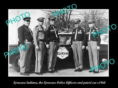 OLD LARGE HISTORIC PHOTO OF SYRACUSE INDIANA, THE POLICE & THEIR PATROL CAR 1960