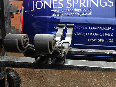 Pair of HEAVY DUTY TOYOTA HILUX 4WD rear 5+2 leaf springs 1997-2005 with U bolts