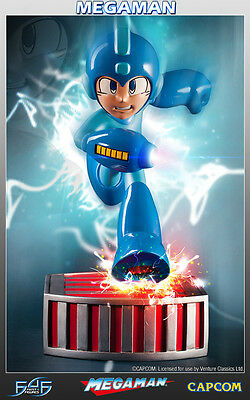 Capcom Running Megaman Statue 33 cm First 4 Figures Figur