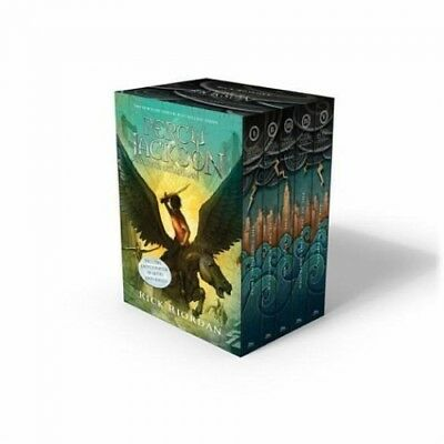 Percy Jackson and the Olympians 1-5. Boxed Set with Poster von Rick Riordan NEU