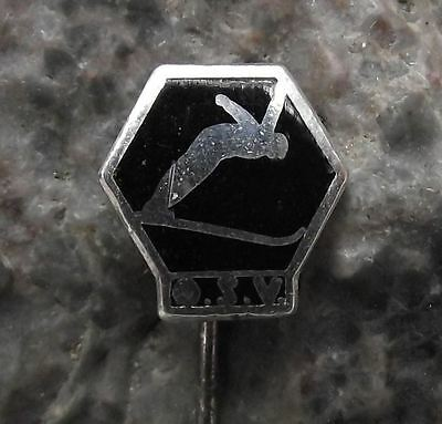 OSV Osterreichischer Skiverband Austrian Ski Association Jumping Skier Pin Badge