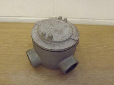 """Crouse Hinds 4 Entry Explosion Proof Conduit Junction Box 1.5"""" Type GUAX59"""