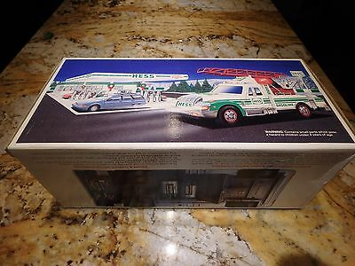 Hess 1994 Rescue Truck NIB Excellent condition