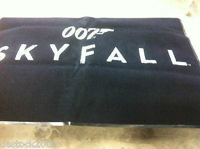 Tapis  James Bond 007 Skyfall  2.50 M X 1.50 M    Tres Rare  Collection