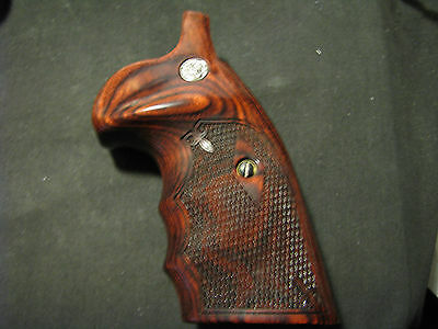 Smith Wesson K/L Frame Rosewood Grips Chk FG OS w-Medallions - SQUARE-BUTT ONLY