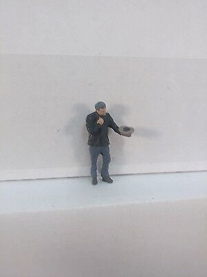 Arttista Panhandler / homeless man - #1560 - O Scale On30 On3 Figures People
