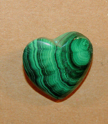 Malachite Heart 20x20mm with 8mm thick top drilled from Africa (9510)