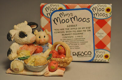 Mary's Moo Moos - You Are The Apple Of My Eye - 628867 - Pig & Pie On Blanket