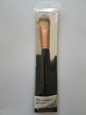 Royal Cosmetic Connections Foundation Brush