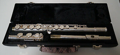 """Gemeinhardt 22SP Student Model Closed Hole No """"B"""" Foot Flute Silver Plated Case"""