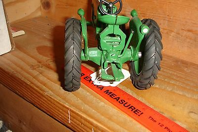 1/16 oliver toy tractor old one