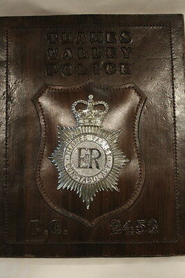 British Thames Valley Police Constabulary Retirement Plaque with Badge