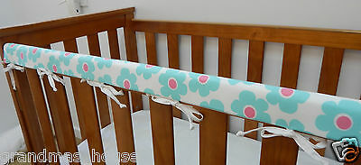 1 x Baby Cot Rail Cover Crib Teething Pad - Aqua Pink  Daisies  **REDUCED**