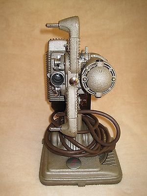 MODEL P85 8mm Movie Projector Revere IN CASE EXCELLENT CONDITION VINTAGE CAMERA