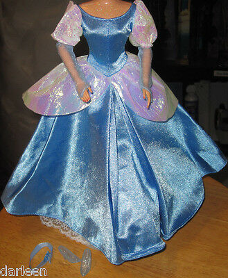 Disney Cinderella ballgown doll FASHION from deluxe giftpack shoes hairtie dress