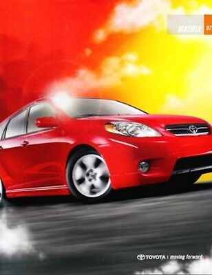 2007 07 Toyota  Matrix  oiginal sales brochure MINT