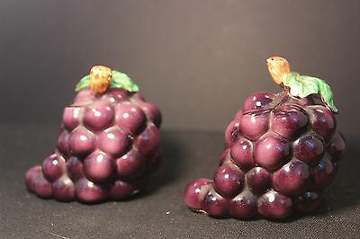 Vintage LEFTON'S - SALT & Pepper Shakers - GRAPES -  1950s Stickers attached