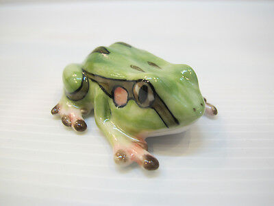 Porcelain Miniatures Collectible Ceramic West cameroon Frog FIGURINE