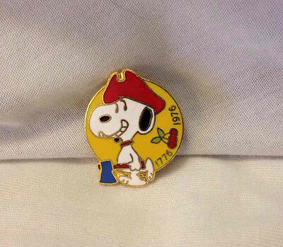 Snoopy US Bicentennial Pin Vtg 1976 Cloisonne American Collectible Peanuts Aviva