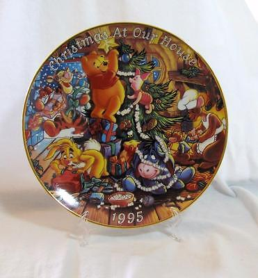 "DISNEY Winnie the POOH FRIENDS ""Christmas at Our House"" PLATE  9 1/2"" MINT 1995"