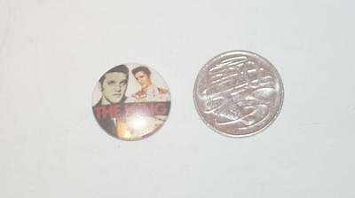 Collectable Pin Badge - Elvis Presley - The King  - 26mm Diameter