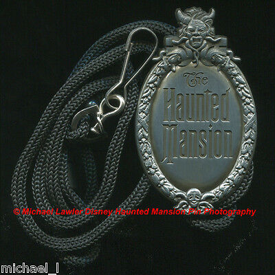 Disney Wdi Haunted Mansion Plaque 3D Bolo Lanyard Pin