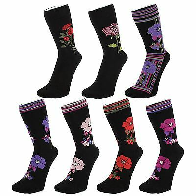 Black Ankle Socks With Pansies (Size: 4-7)