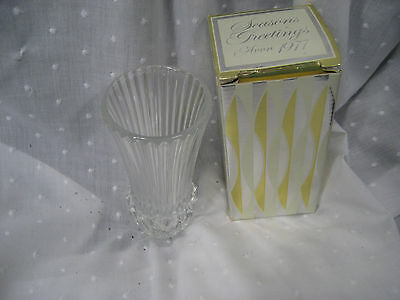1977 Avon Season Greetings lead crystal vase Fostoria Glass in original box