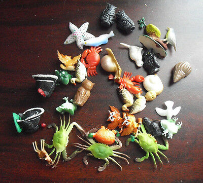 """Lot of Vintage 1970s Small Plastic Animal Figurines 1 to 2"""" Wide"""