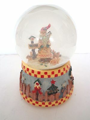 "Victorian Santa Themed Musical Snow Globe Plays White Christmas 6"" Height"