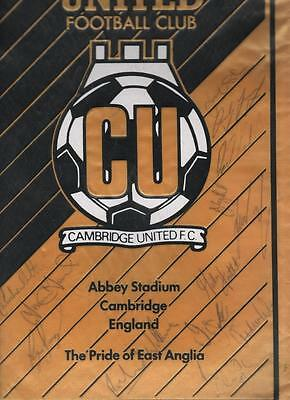 CAMBRIDGE UNITED Large Official Signed Pennant 80's/90's FREE POST UK