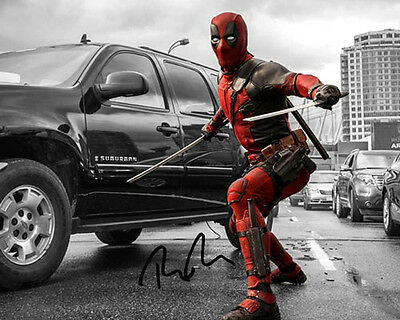 Deadpool Wade Ryan Reynolds Signed Action Photo Autograph Reprint