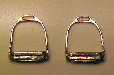 RDLC English Stirrups w/ Molded-in Treads/Pads BRASS Traditional 1:9 Model Scale