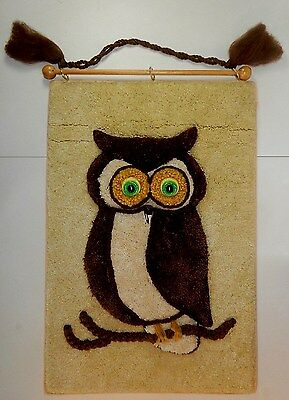 VTG LATCH HOOK OWL WALL HANGING RETRO HANDCRAFTED 70s MID CENTURY BIRD DECOR