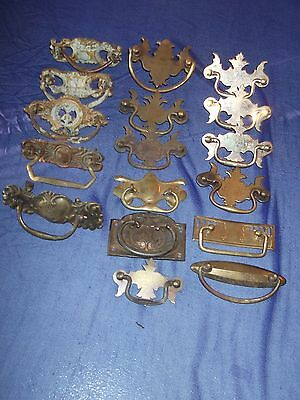 17 PIECE ANTIQUE/VINTAGE DRAWER PULLS DRESSER HANDLE ASSORTMENT [17 pcs ]