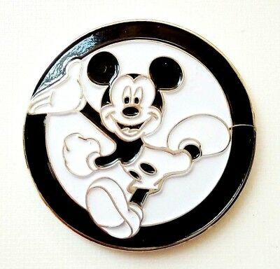 "anneys - **GOLF  BALL  MARKERS - Mickey Mouse black border"""" -24mm diameter**"