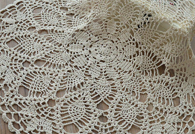 "23"" Graceful Ecru Hand Crochet Round Pineapple Doily Table Cloth"