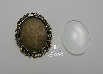 Brooch setting oval frame with 30 x 40 mm glass cab pin back leaf style bronze