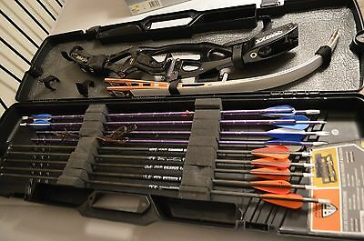 HOYT Recurve Bow set with arrows, in the Field Locker