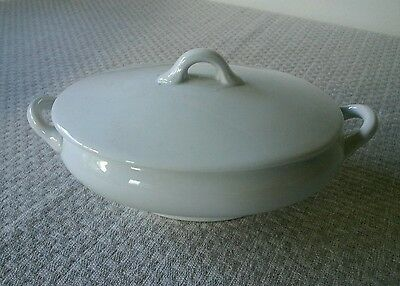 Small white dish with lid and handles, Japan