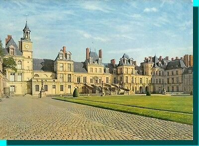 CPM - Castle of Fontainebleau - Court of farewell