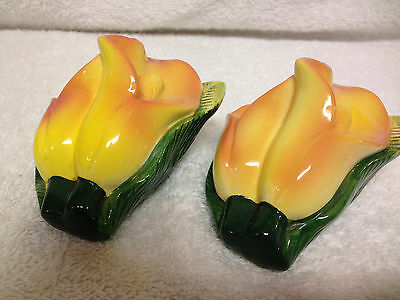 Vintage Lily Flower Salt And Pepper Shakers