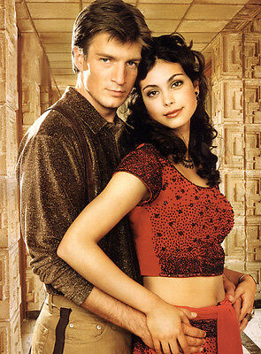 2002's FIREFLY Nathan Fillion & Morena Baccarin cuddle up color 8x10 portrait