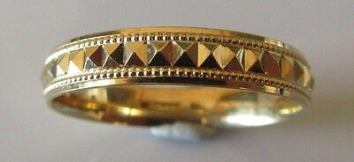 SECONDHAND 9ct YELLOW GOLD WEDDING 0.4MM BAND RING SIZE S.