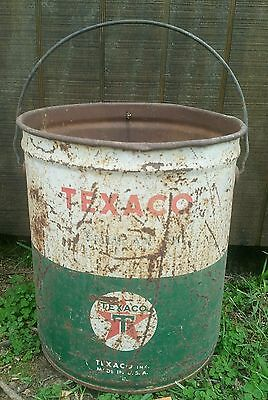 Lagre Texaco Thuban oil can Bucket / pail Rustic Lubrication green white