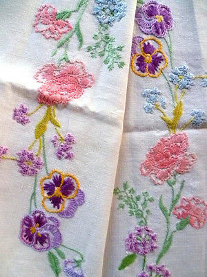 Charming Vintage Hand Embroidered Tablecloth Flowers Circle~Pansy/Laburnum/Lilac