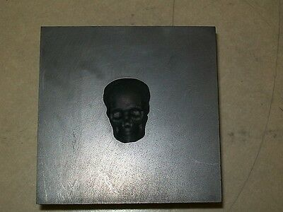 """Lim. Edition Graphite Skull Push Mold 1-1/8"""" height- Glass or Silver Pour(1oz)"""